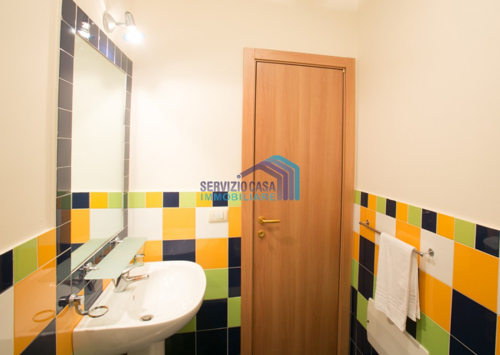 Sale Hholiday House  - Tourist accommodation Locality